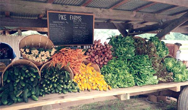 produce on farmstand